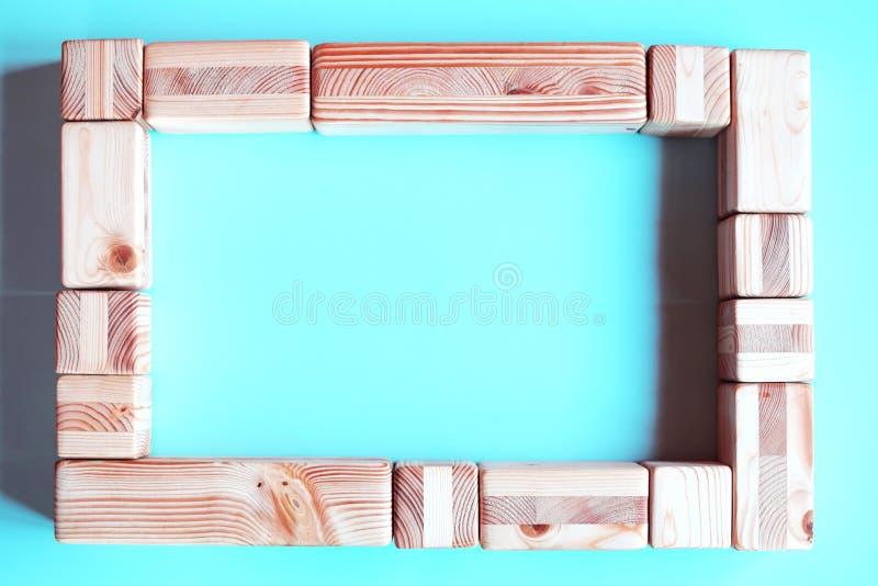 Feld von natürlichen Holzklötzen für Foto stockfoto