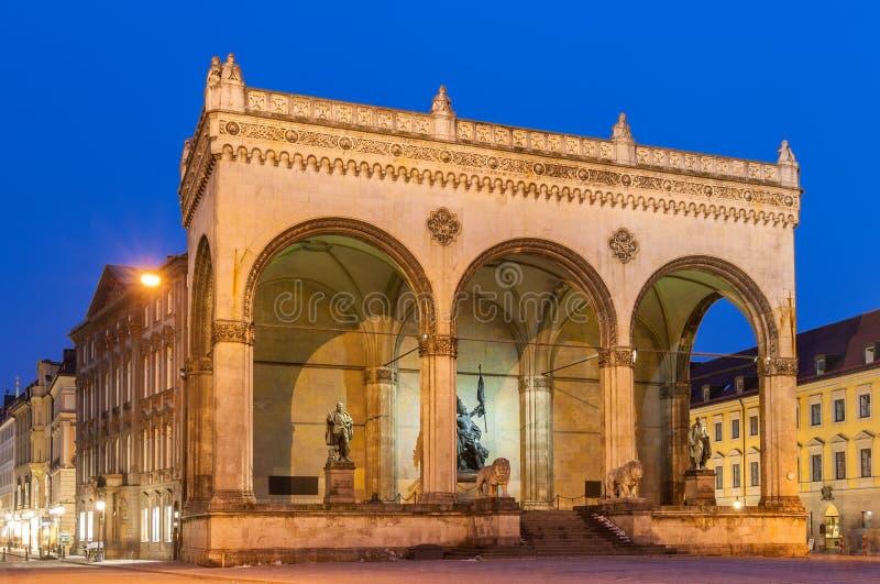 Feldherrnhalle en Odeonsplatz en Munich, Baviera, Alemania imágenes de archivo libres de regalías