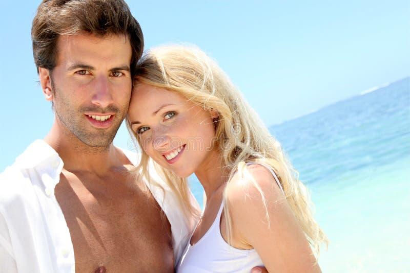 Felice nelle coppie amate fotografia stock libera da diritti