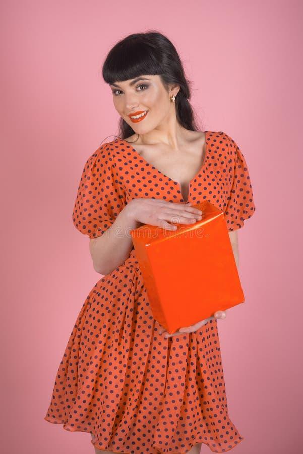 Felicidad, emoción positiva, compras, concepto para mujer del día fotos de archivo libres de regalías