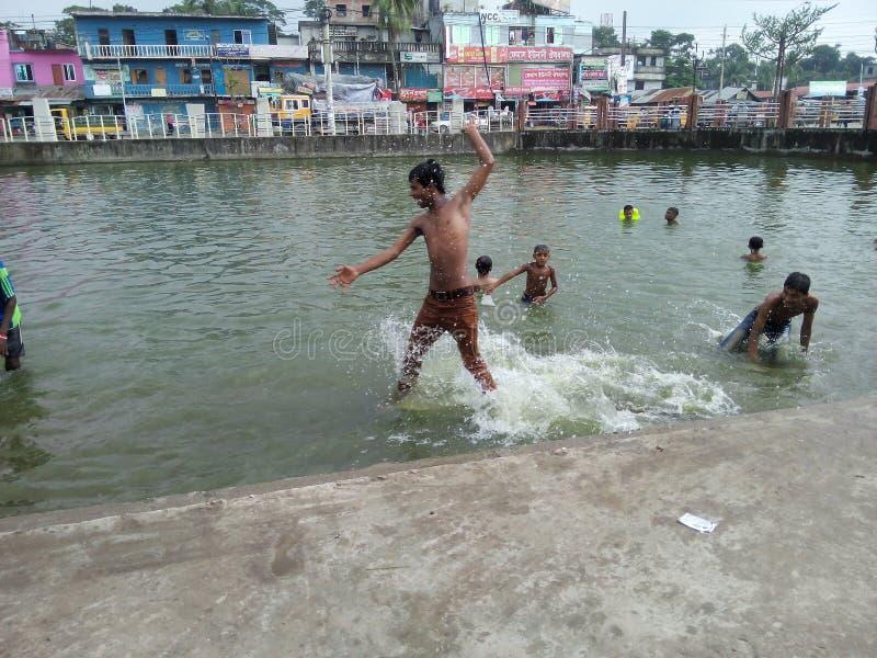 felicità dei bambini poveri in Bangladesh fotografie stock libere da diritti