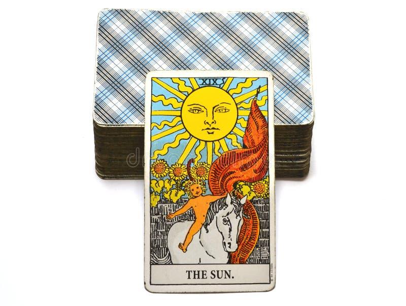 Felicità di manifestazione di calore di chiarimento di gioia di vitalità di energia di vita della carta di tarocchi di The Sun illustrazione vettoriale