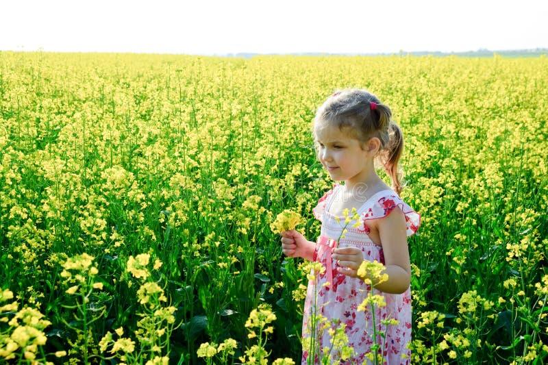 Felicità gialla fotografia stock