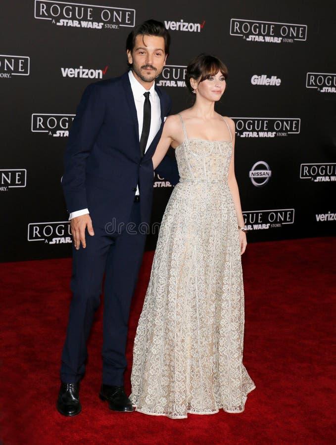 Felicity Jones e Diego Luna foto de stock royalty free