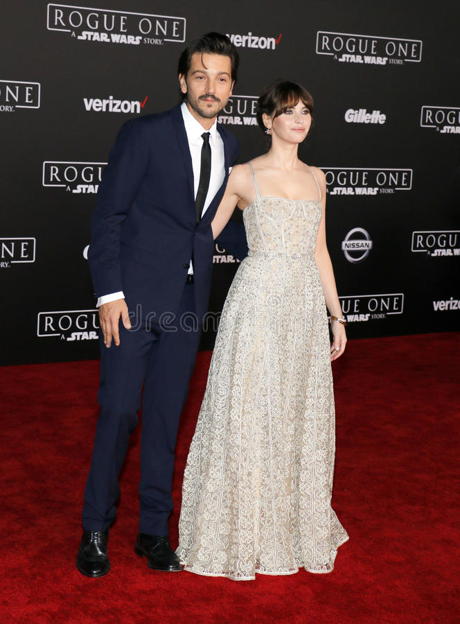 Felicity Jones e Diego Luna fotografia de stock