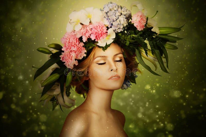 Felik kvinna för elegans i blommakran royaltyfria bilder