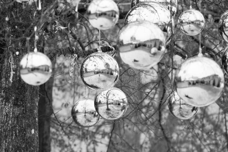 Felika gåvor på julhelgdagsaftonen i Österrike arkivbilder
