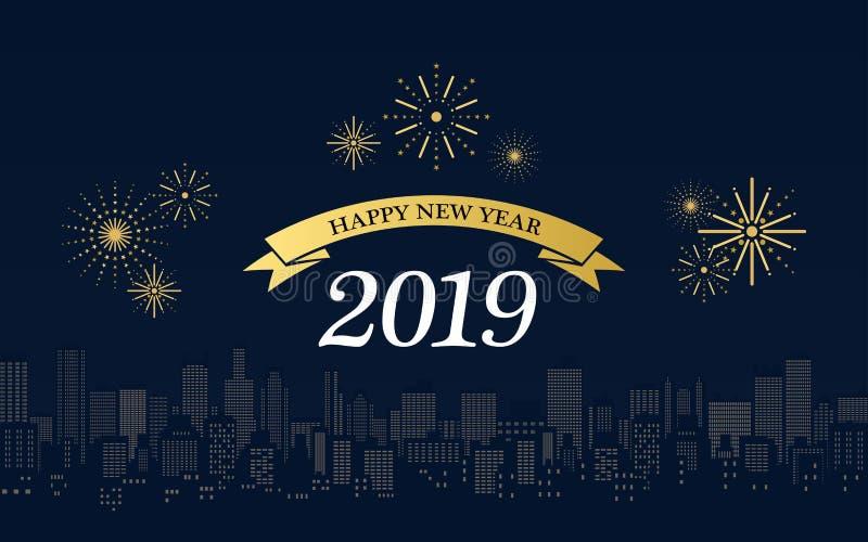 Feliz Año Nuevo 2019 en cintas de oro con los fuegos artificiales y horizonte de la ciudad en la noche en fondo azul marino del c stock de ilustración