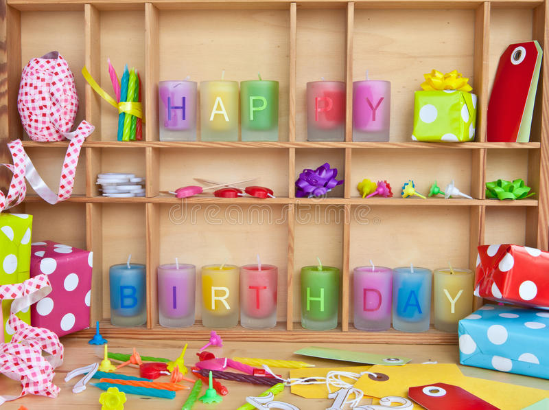 Feliz aniversario escrito em velas foto de stock