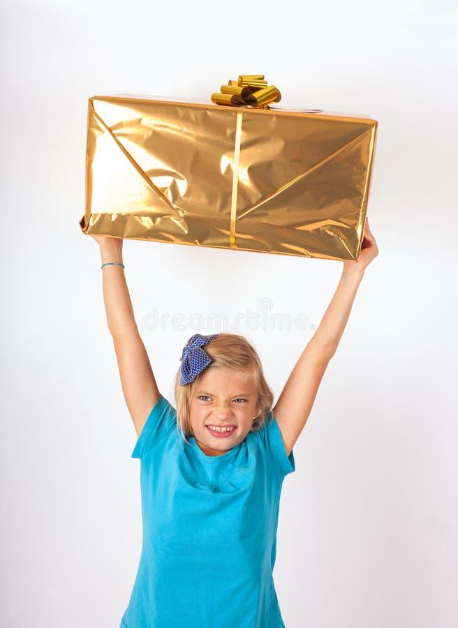 Feliz con el regalo foto de archivo