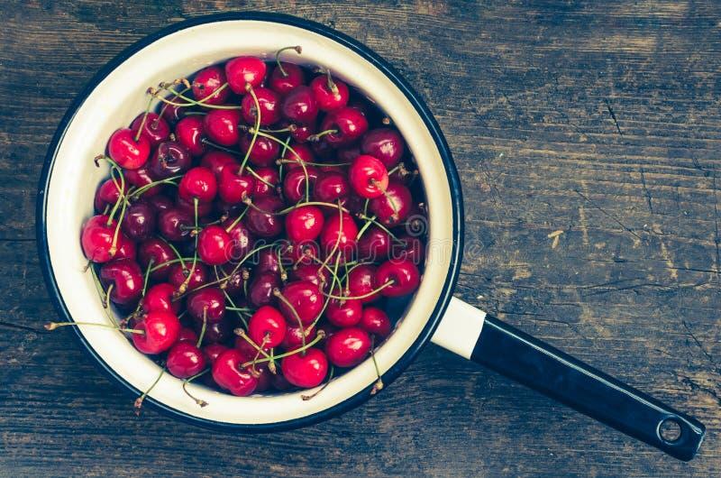 Feliz dulce de la cereza salvaje imagen de archivo