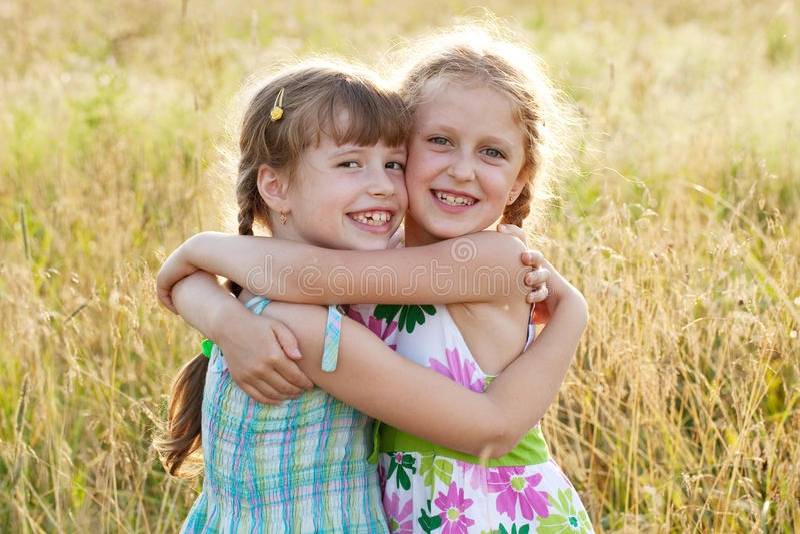 Feliz muchacha encantadora dos fotografía de archivo