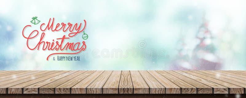 Feliz Navidad de la escritura roja y Feliz Año Nuevo sobre la etiqueta de madera fotos de archivo libres de regalías