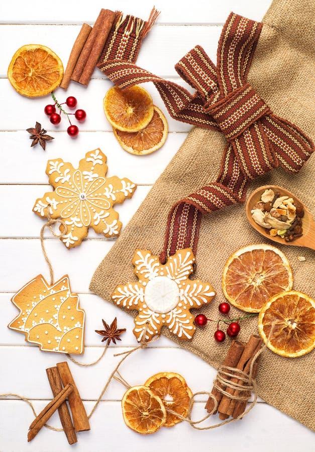 Feliz Navidad - diseño del cartel o de la postal decoraciones del vintage foto de archivo libre de regalías