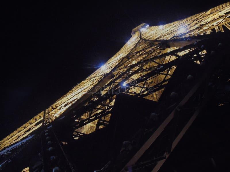 Feliz Navidad, Eiffel dice, con las estrellas brillantes, París, Francia imagenes de archivo