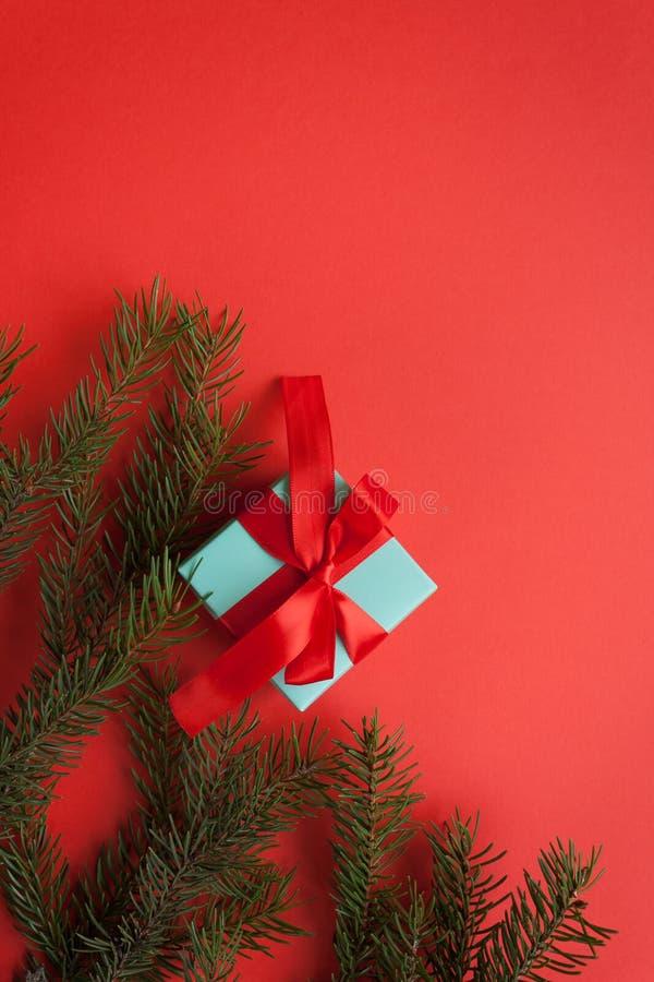 Feliz Navidad y Feliz Año Nuevo Fondo rojo imágenes de archivo libres de regalías