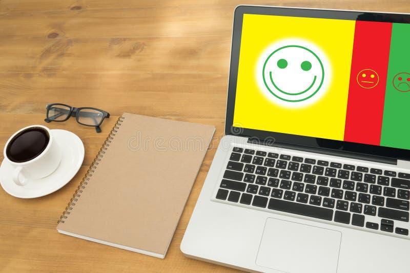 feliz selecto del hombre de negocios:): l: (feliz selecto del hombre de negocios encendido foto de archivo libre de regalías