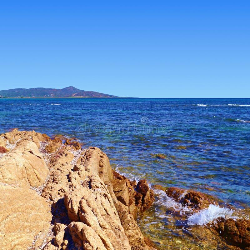 Felsen, Berg und Meer stockfotos