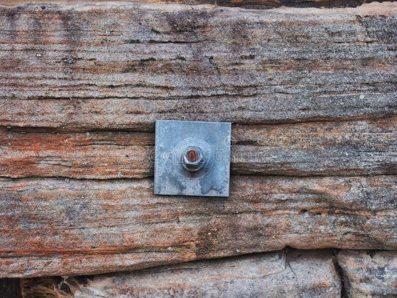 Felsen-Bolzen, der Sydney Sandstone Wall, Australien sichert lizenzfreie stockfotos