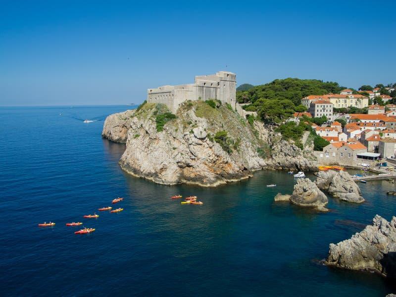 Felsen in Dubrovnik lizenzfreies stockbild