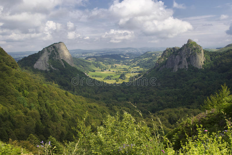 Felsen Frankreichs Auvergne lizenzfreies stockbild