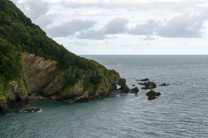 Felsen an Hele-Bucht, Devon lizenzfreie stockfotografie