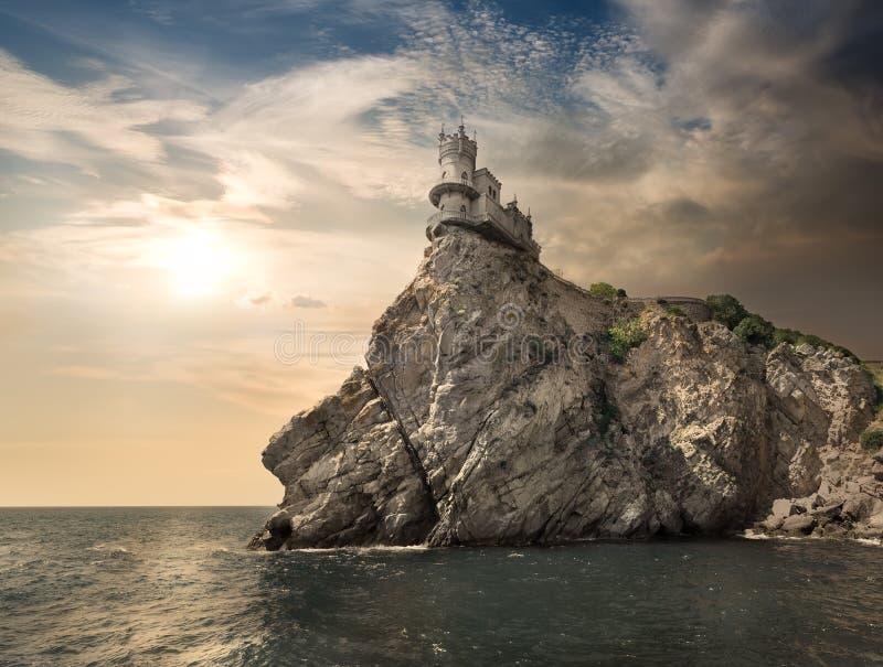 Felsen im Meer lizenzfreies stockbild