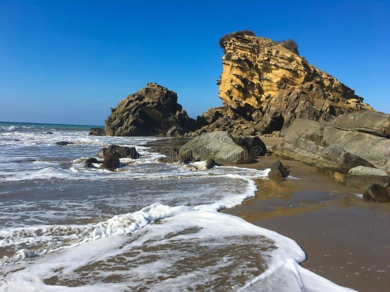 Felsen an Playa-La Tinosa, Ecuador stockbild