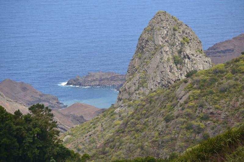 Felsen, St.- Helenaostküste lizenzfreie stockbilder