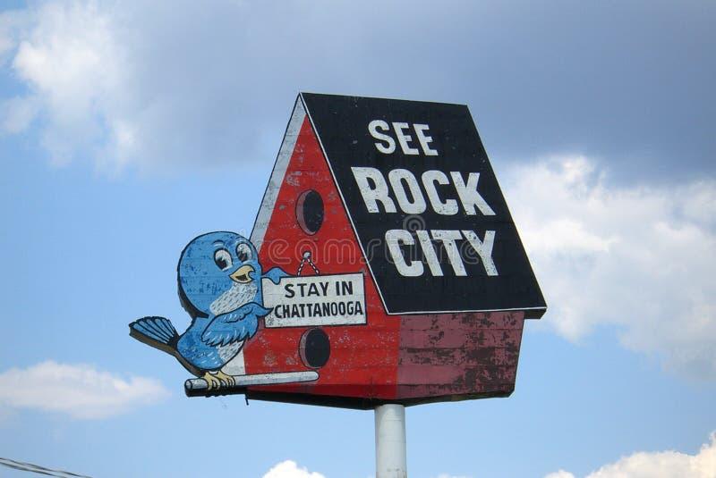 Felsen-StadtBirdhouse stockbild