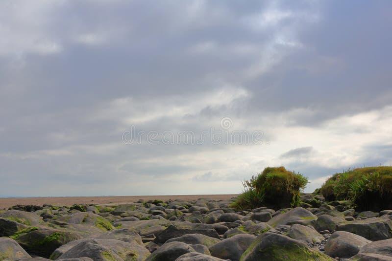 Felsen und die Wüste stockbild