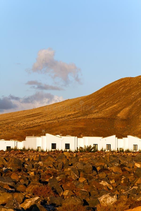 Felsen und Montana Baja, Lanzarote lizenzfreies stockfoto