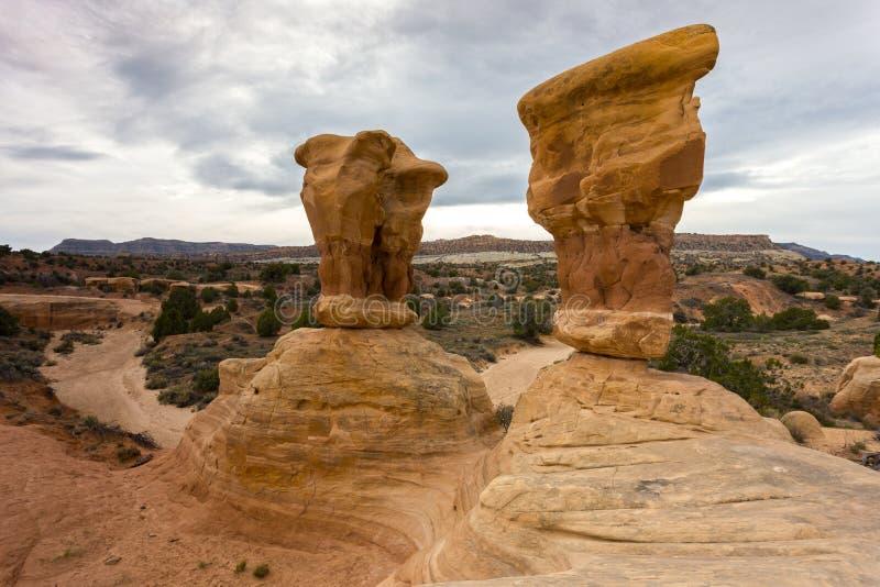Felsen-Unglücksboten im Teufel-Garten Escalante Utah stockfotografie