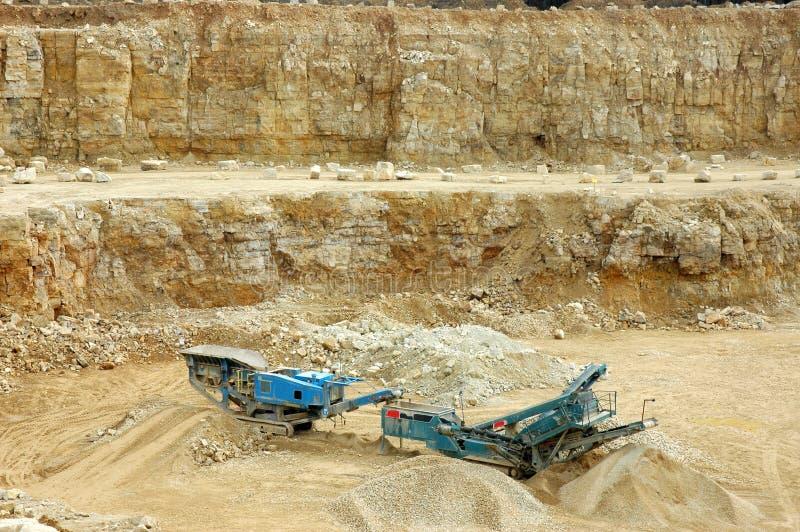 Felsen-Zerkleinerungsmaschine lizenzfreie stockbilder