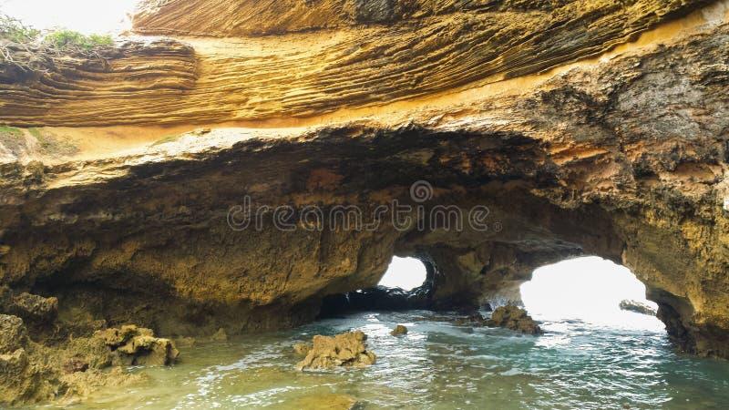 Felsenbögen in Sorrent, Australien lizenzfreies stockfoto
