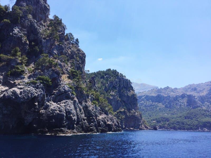 Felsenkü ste auf Mallorca royalty-vrije stock fotografie