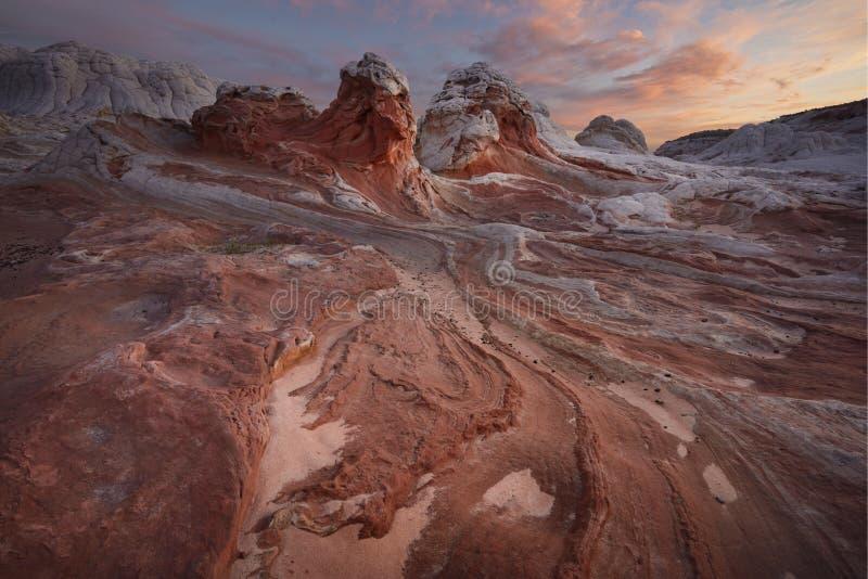 Felsformation bei Sonnenaufgang, weiße Tasche, Arizona lizenzfreie stockfotos