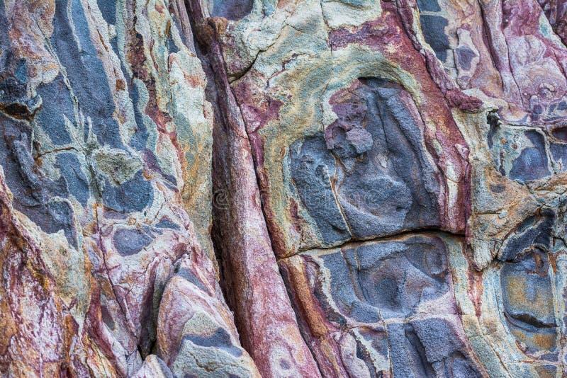 Felsige Beschaffenheiten auf Milos Insel, die Kykladen, Griechenland stockbilder