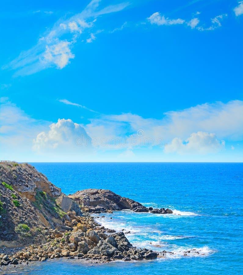 Felsige Küste in Alghero stockbilder