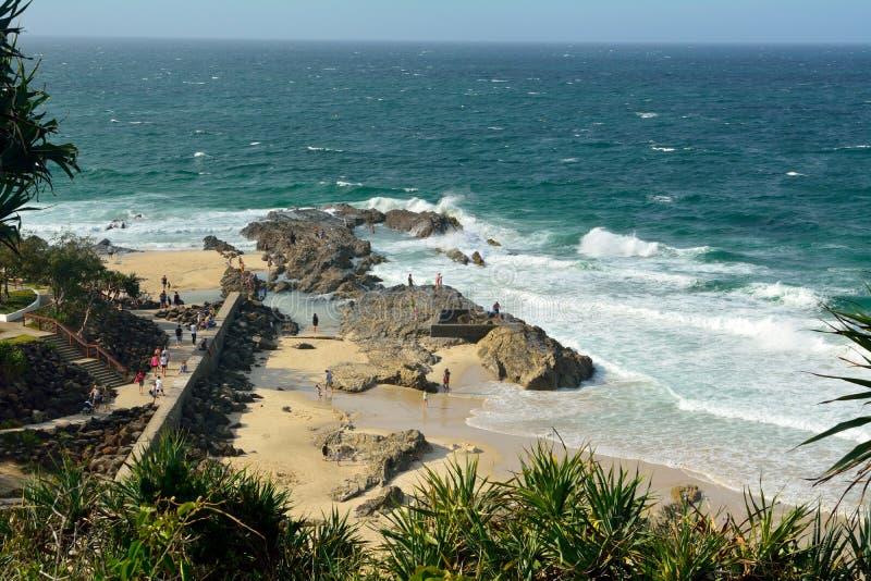 Felsige Küstenlinie an der Punkt-Gefahrenlandspitze auf dem Gold Coast lizenzfreies stockfoto