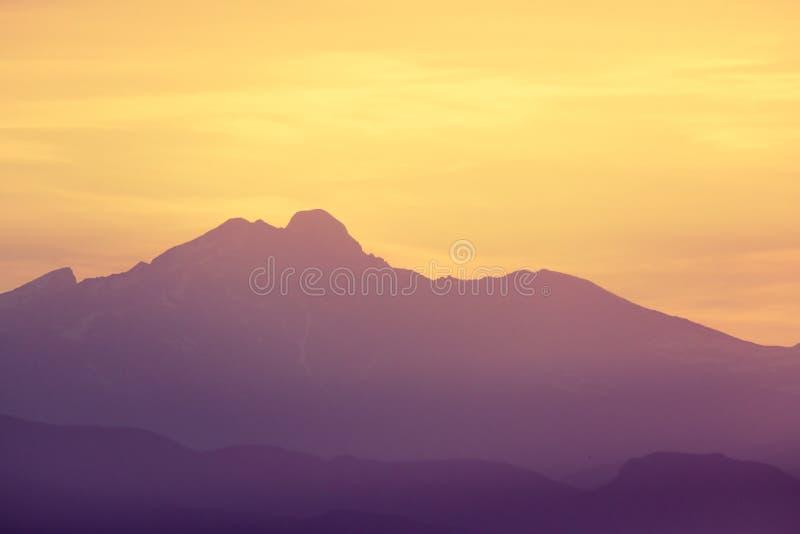 Felsiger Gebirgssonnenaufgangsonnenuntergang Colorados stockfotos