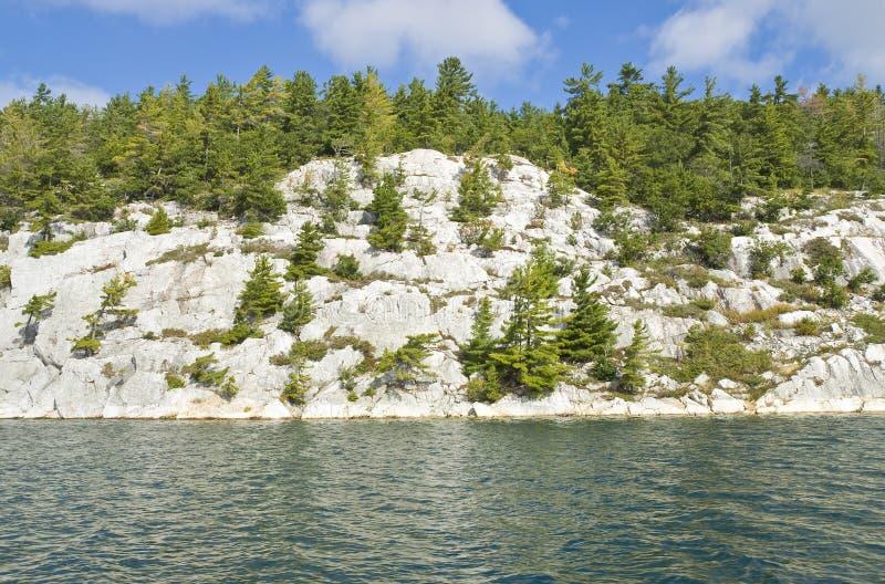 Felsiges Ufer lizenzfreie stockbilder