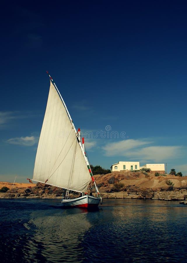 Felucca in Aswan stock afbeeldingen