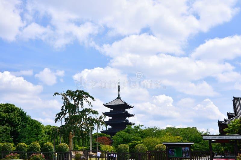 Fem-berättelse pagod av den Toji templet, Kyoto Japan arkivfoton