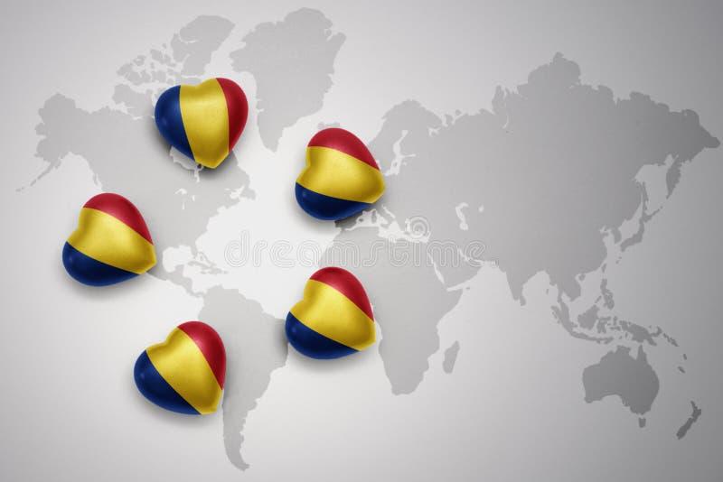 fem hjärtor med nationsflaggan av Rumänien på en världskartabakgrund vektor illustrationer