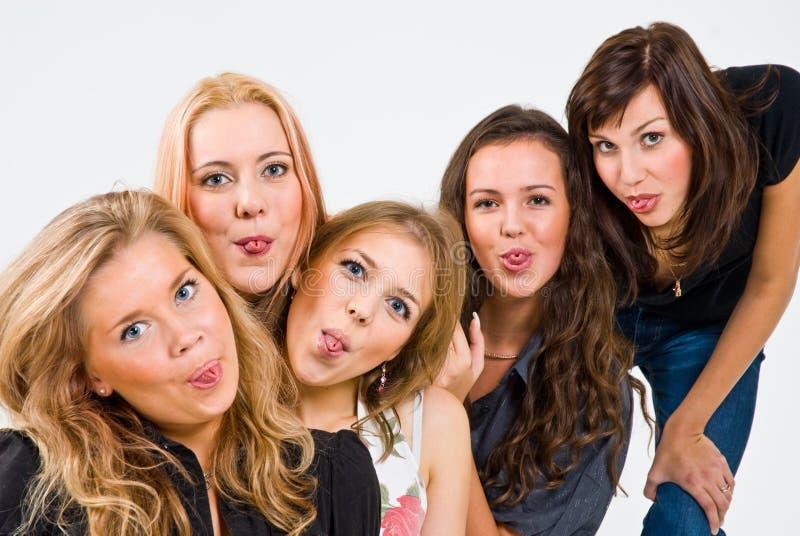fem roliga flickor som har royaltyfri bild