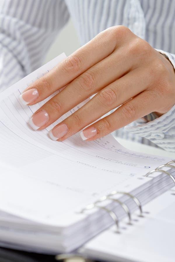 Femal Handdrehenseite lizenzfreie stockbilder