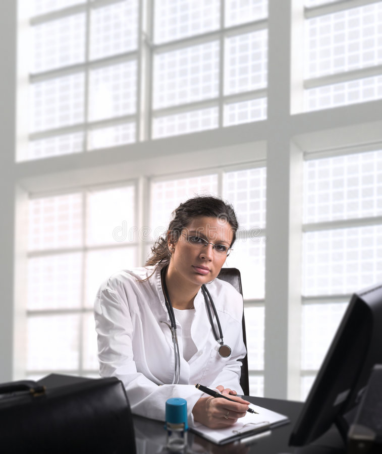 Free Female Doctor Royalty Free Stock Images - 2455189
