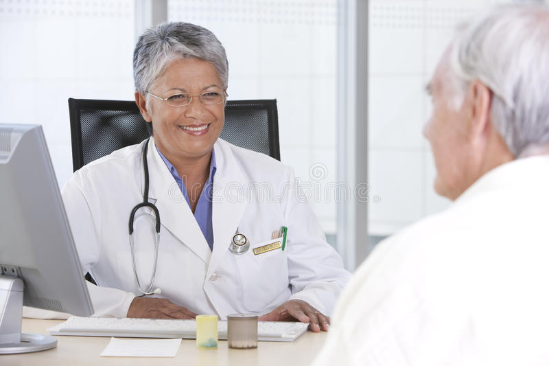 Download Female Doctor And Patient Royalty Free Stock Images - Image: 10473289