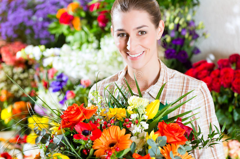Download Female Florist In Flower Shop Stock Photography - Image: 33489152